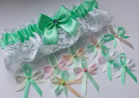 Klipy na boty pro nevěstu - zelenkavý květ,