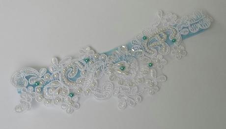 Krajkový luxusní bílý/ivory podvazek , 40