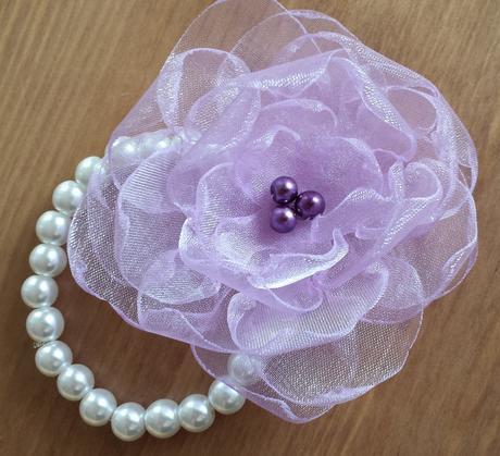 Lila kytička pro družičku - fialová perlička,