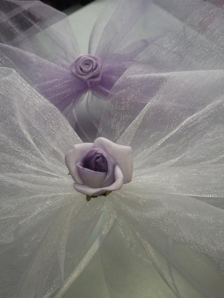 Lila mašle na zrcátka/kliky bílá květinka vel.M,