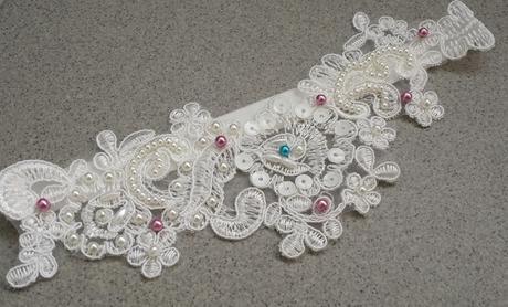 Luxusní bílý svatební pásek,