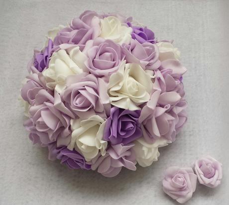Luxusni ivory polštářek s lila kanzashi a krajkou,