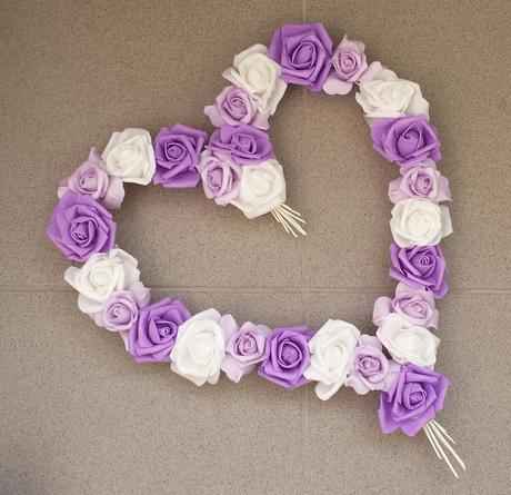 Pedigové srdce na kapotu bílé a fialové,