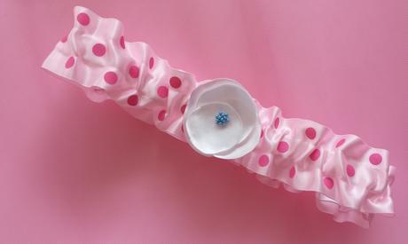 Růžový saténový podvazek - DOTs, 38