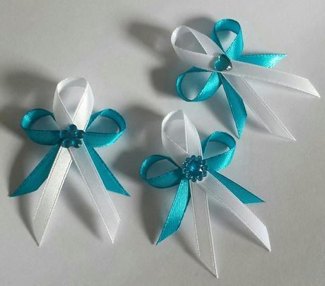 Středně modré svatební vývazky ,
