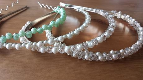 Svatební hřebínek větší bílo - tyrkysový,