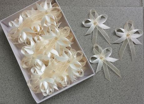 Svatební vývazky v odstínu ivory,