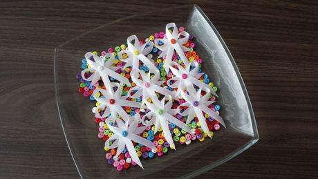 Tyrkysové svatební vývazky s perličkou,