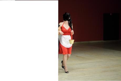 Červené šaty na redovy tanec, 36