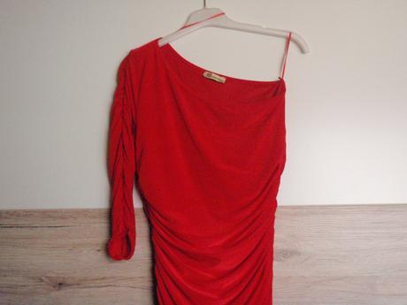 Šaty červenej farby , 38