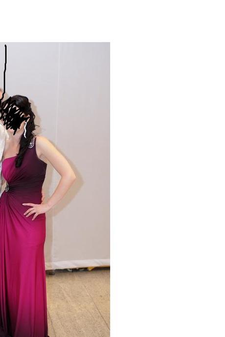 Spoločenské šaty cyklámenovej farby, 38