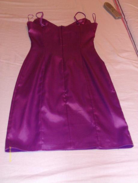 Spoločenské šaty fialovej farby , 38