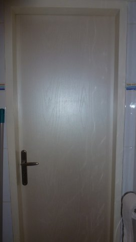 Biele kúpeľňové dvere 60-Ľ,