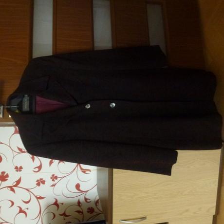 kvalitné, predĺžené bordovo-čierne sako- kabát, 38