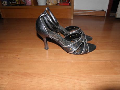 Černošedé páskové boty , 38