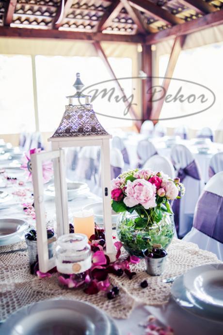 Výzdoba svatebního dne - potahy, ubrusy, rautovky.,