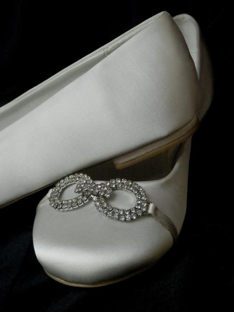 Svatební baleríny zdobeny broží, 38