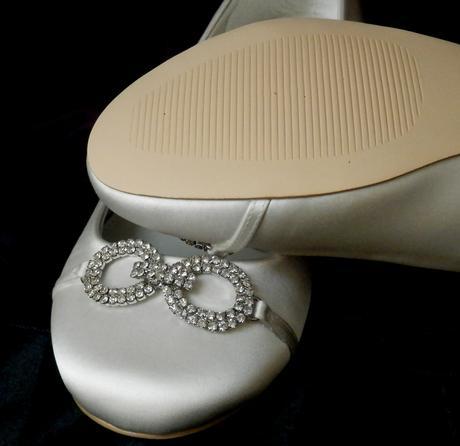 Svatební baleríny zdobeny broží, 39