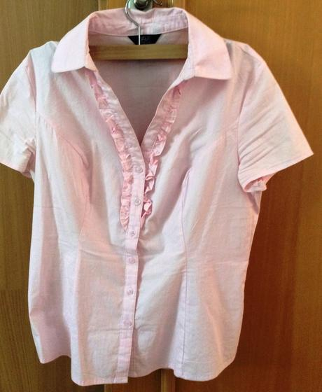 Světle růžová košile, 38