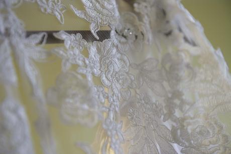 Svadobné šaty s vlečkou, 42