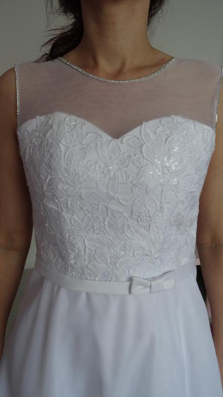Krátké svatební šaty, 38