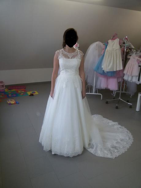 Krajkové svatební šaty, barva ivory, 38