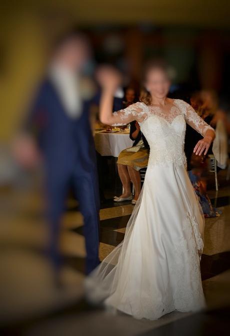 svadobné šaty od známej návrhárky, 36