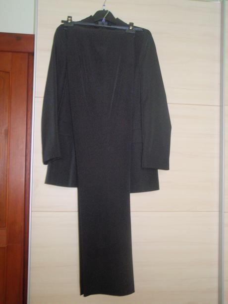 čierny nohavicový kostým, 38