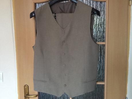 Sivo- zelenkavy oblek, 54