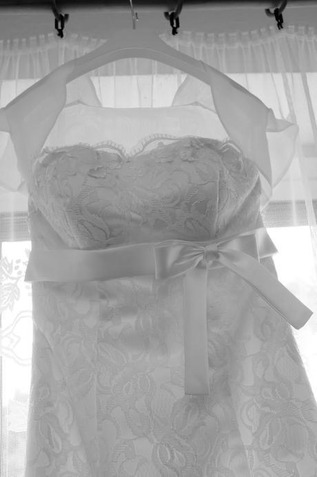 Krajkové svadobné šaty a lá morská víla , 38