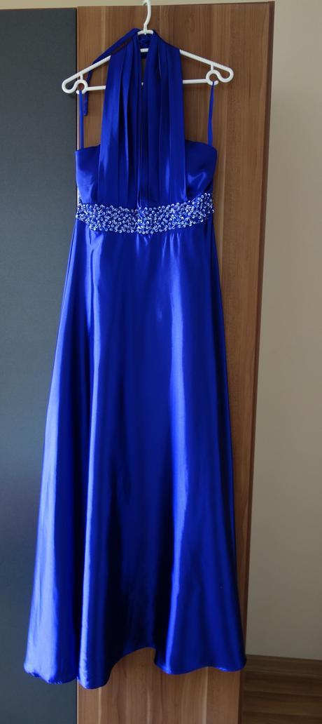 Modré spoločenské šaty, 40