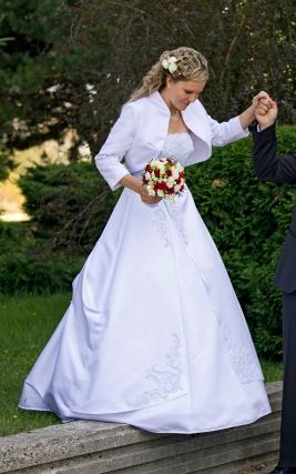Pekné svadobné šaty, velkosť 38-42, 40