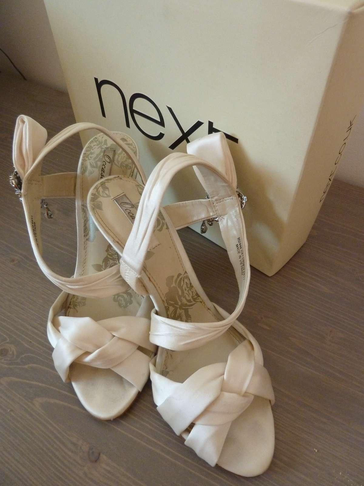 7bff24fc6aa7 Svadobné elegantné sandálky