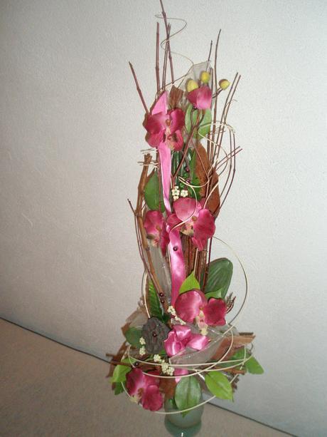 Kytica z umelých kvetov. ,