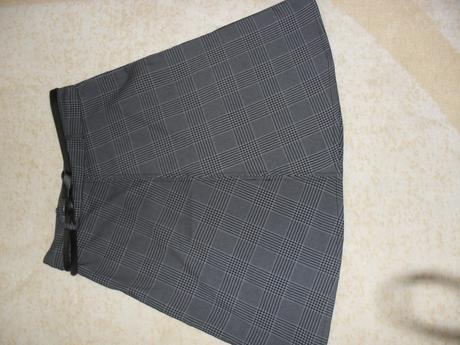 Károvaná sukňa, 38