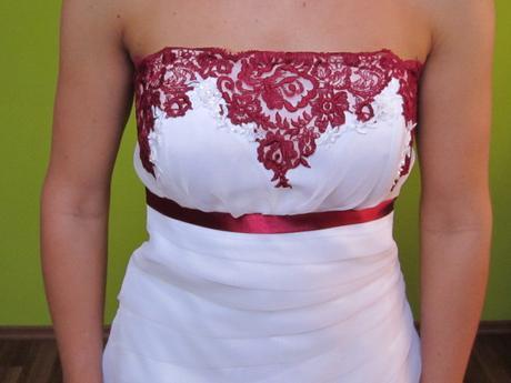 šaty s bordo krajkou, 38