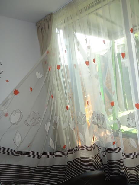 Set záclona+záves s rovnakým vzorom na veľké okno,