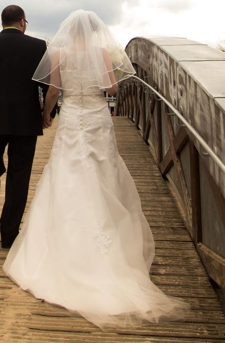 Krajkové svatební šaty na zip, vel. 38 - 40 , 38