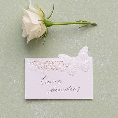 Menovka pre hostí - Kvetinová Elegancia s motýľom,