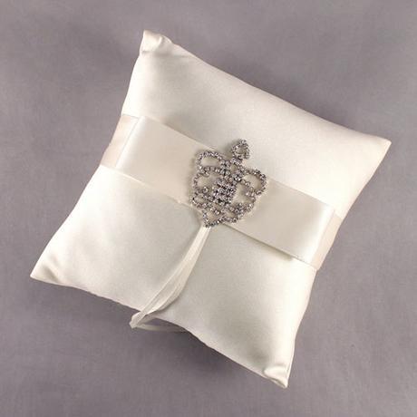 Vankúšik na prstienky - Kráľovská koruna,