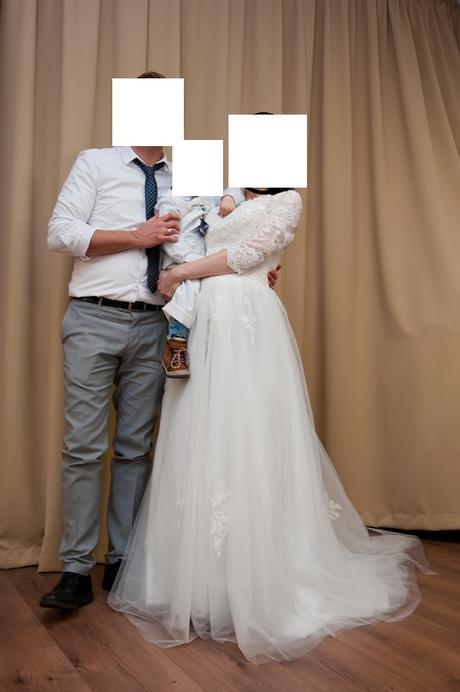 Nádherné čipkované šaty, 38