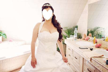 Princeznovské šaty s vlečkou, 42