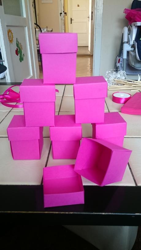 Ručně vyráběné fuchsiove krabičky ,