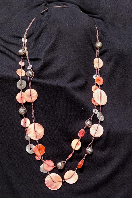 Dámský dlouhý náhrdelník s kolečky,