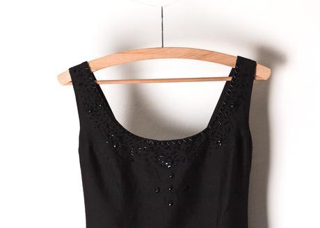 elegantní strohé černé šaty, nejlépe na večer, 38