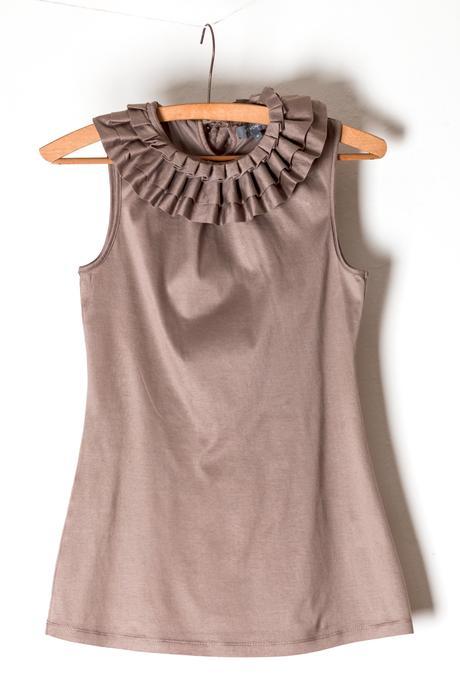 zdobené, velmi ženské tričko s límečkem, 36
