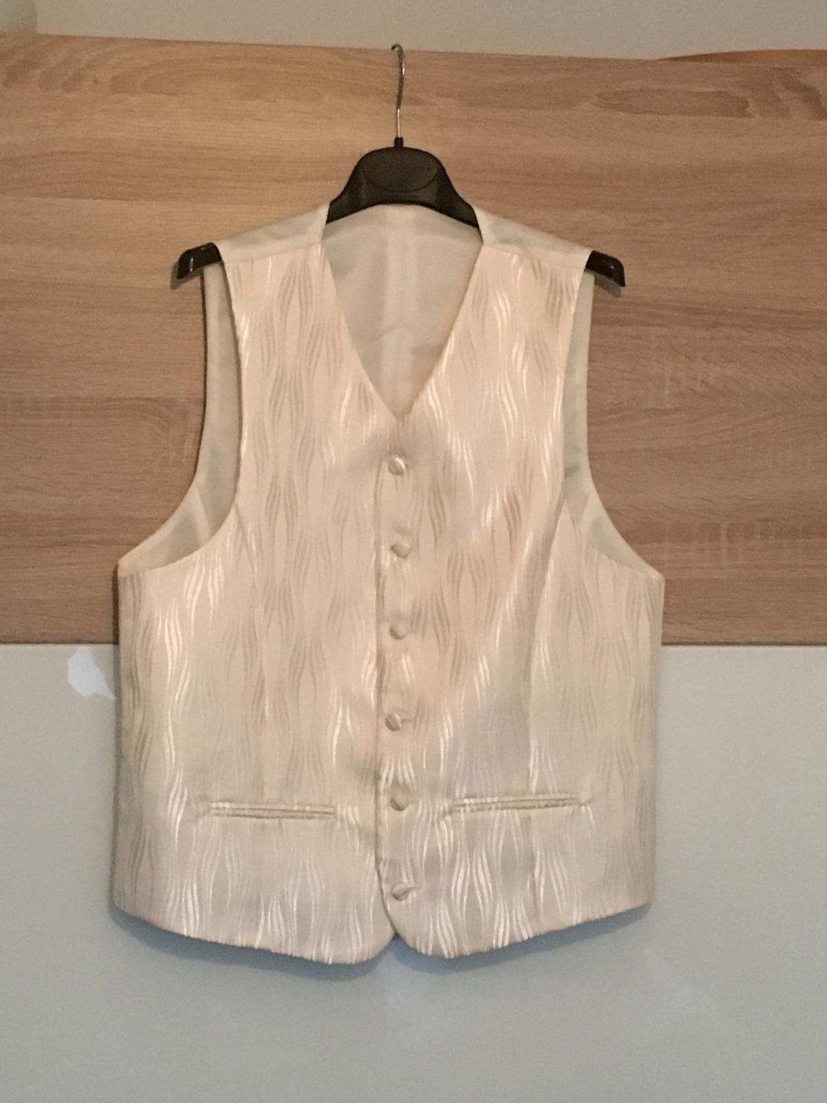 679ab7979 Svadobná vesta, kravata, vreckovka,veľkosť, 50 - 24 € | Svadobný bazár |  Mojasvadba.sk