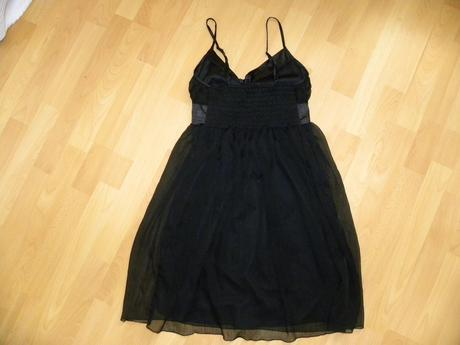 Pekné čierne šaty, S