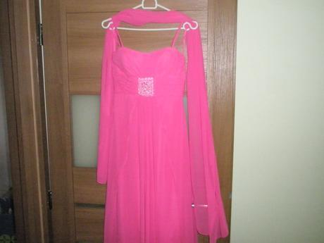 Spoločenske šaty pre štíhlu postavičku, 34