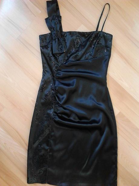 Nenosené elegantné šaty-Michael , 36